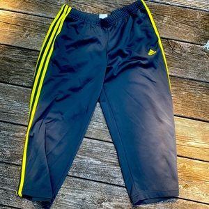 Cropped Adidas Yoga Pants